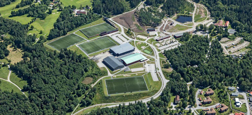 Flygfoto över Lassalyckans idrottsplaner och anläggninga.