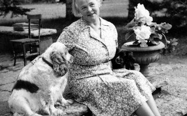 Birgit Th. Sparre med hund Foto: Eric Hulander