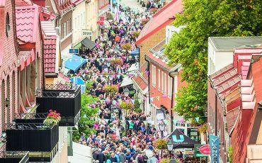 Besökare på Storgatan under Smaka på Ulricehamn 2018. Foto: Emma Ekstrand