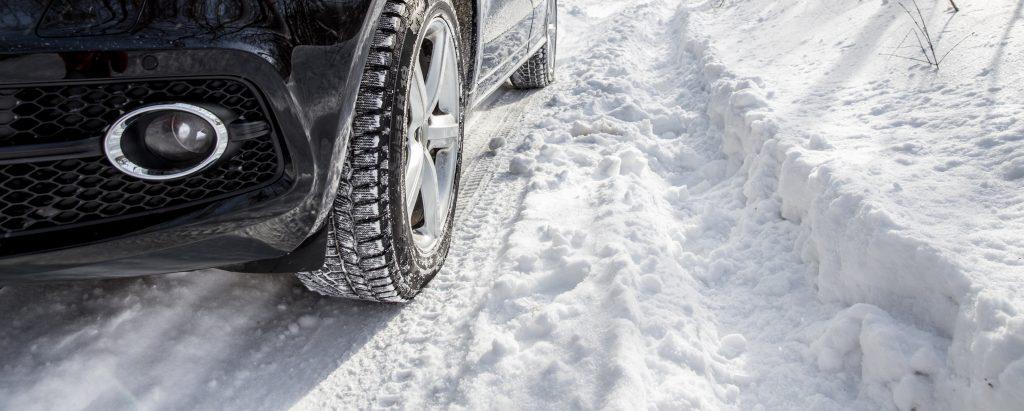 Bil i snö