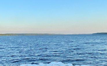 Flytande konstverk i Sämsjön